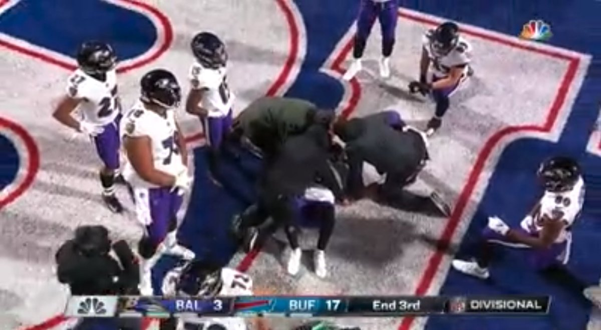 Replying to @SportsCenter: Lamar Jackson appears to be hurt and is being looked at on the ground.