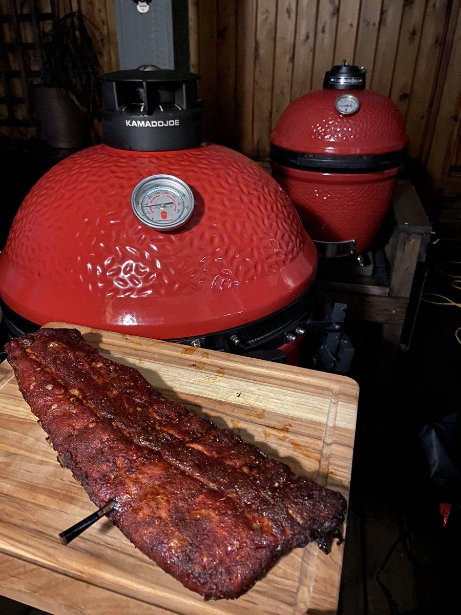Ribs, NFL Playoffs and cocktails. Come over! 🔥 🥃 #foodie #BBQ #kamadojoenation #firesquad @KamadoJoe @KamadoJoeUK