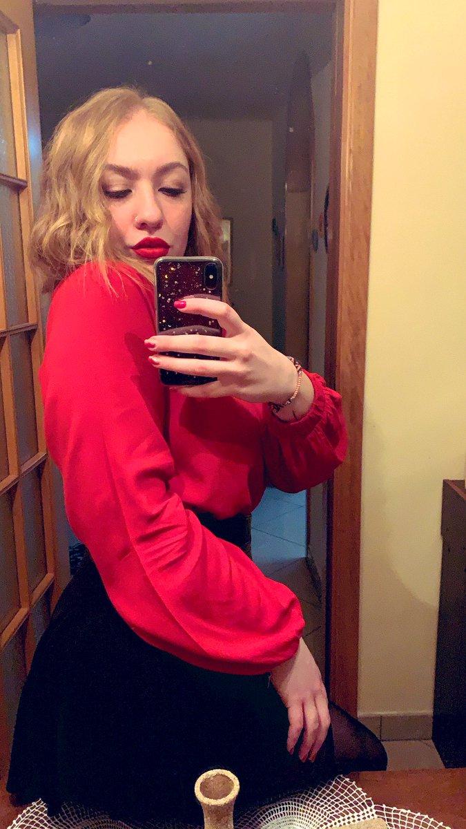 Dress code: #red  #FolloMe #tbt