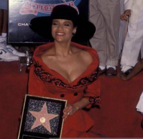 Happy 71st Birthday to Walk of Famer @msdebbieallen Debbie Allen! That outfit! ❤️#DancingQueen #walkoffame