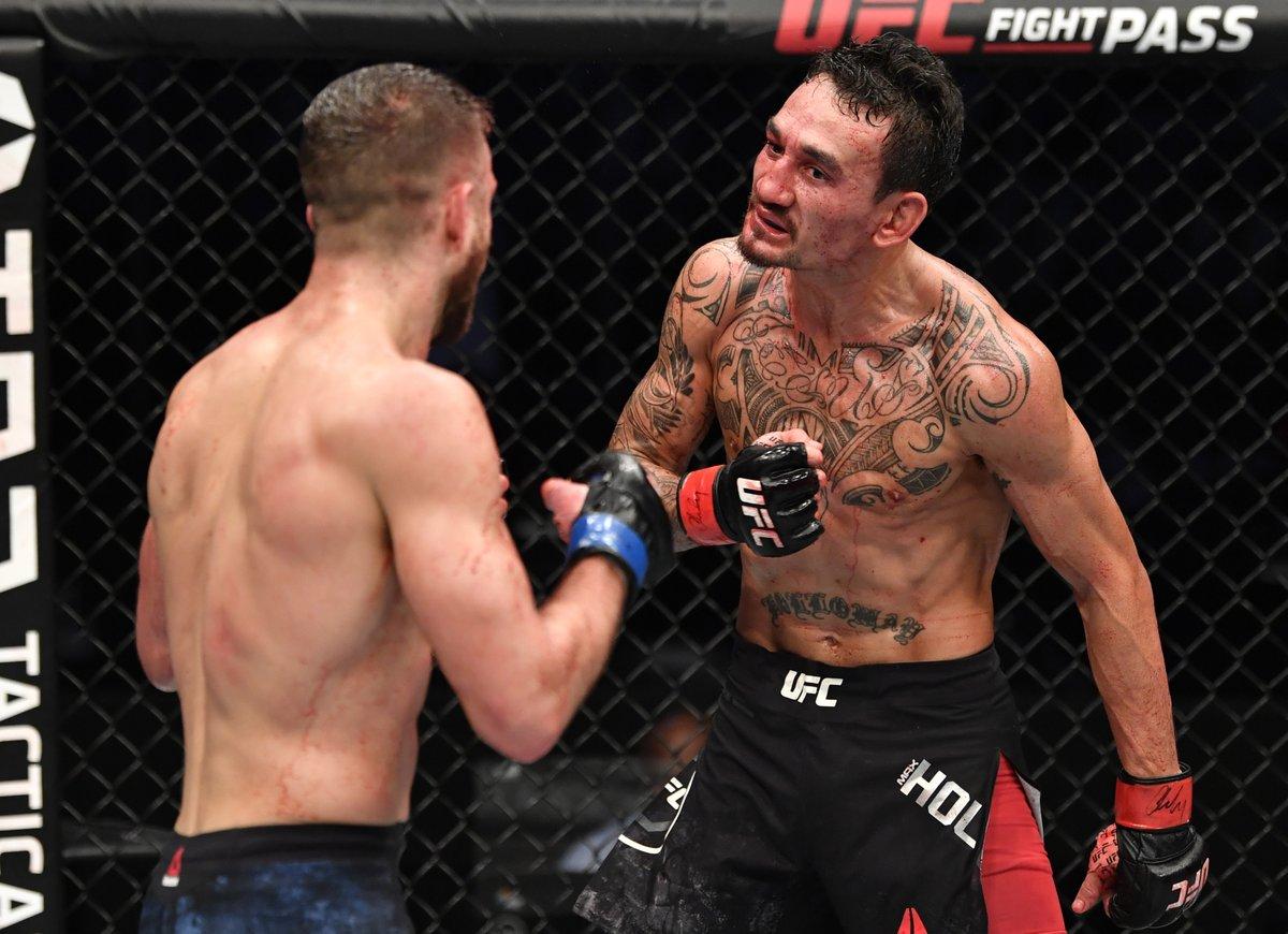 How good was Max Holloway last night?! 🔥  #UFCFightIsland7 | #InAbuDhabi | @VisitAbuDhabi https://t.co/PtQ2lgdXvr