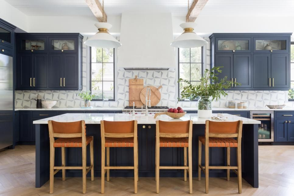 Kitchen Design Ideas For 2021 From Top Designers https://t.co/Z3LwVraPgU #kitchen #kitchens #renovation #renovations #remodeling #homedesign #Montreal #mtl #interiordesign #designer #homedecor https://t.co/PRJWNmgkNY