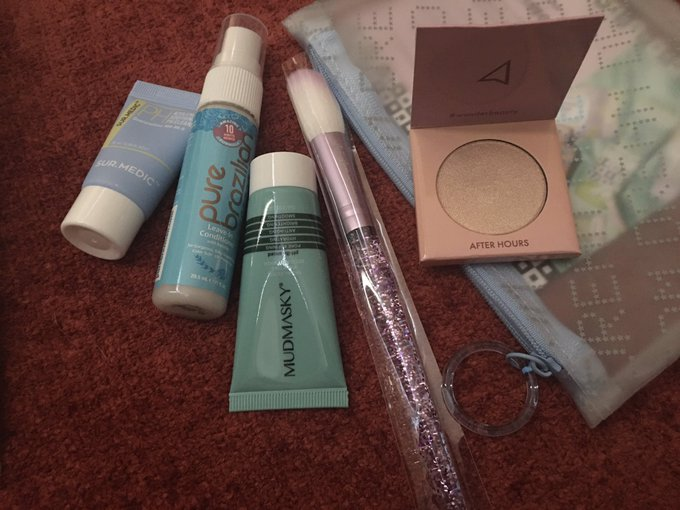 Kinda getting tired of @IPSY This was my pouch this month and I'm asking myself one thing... where's