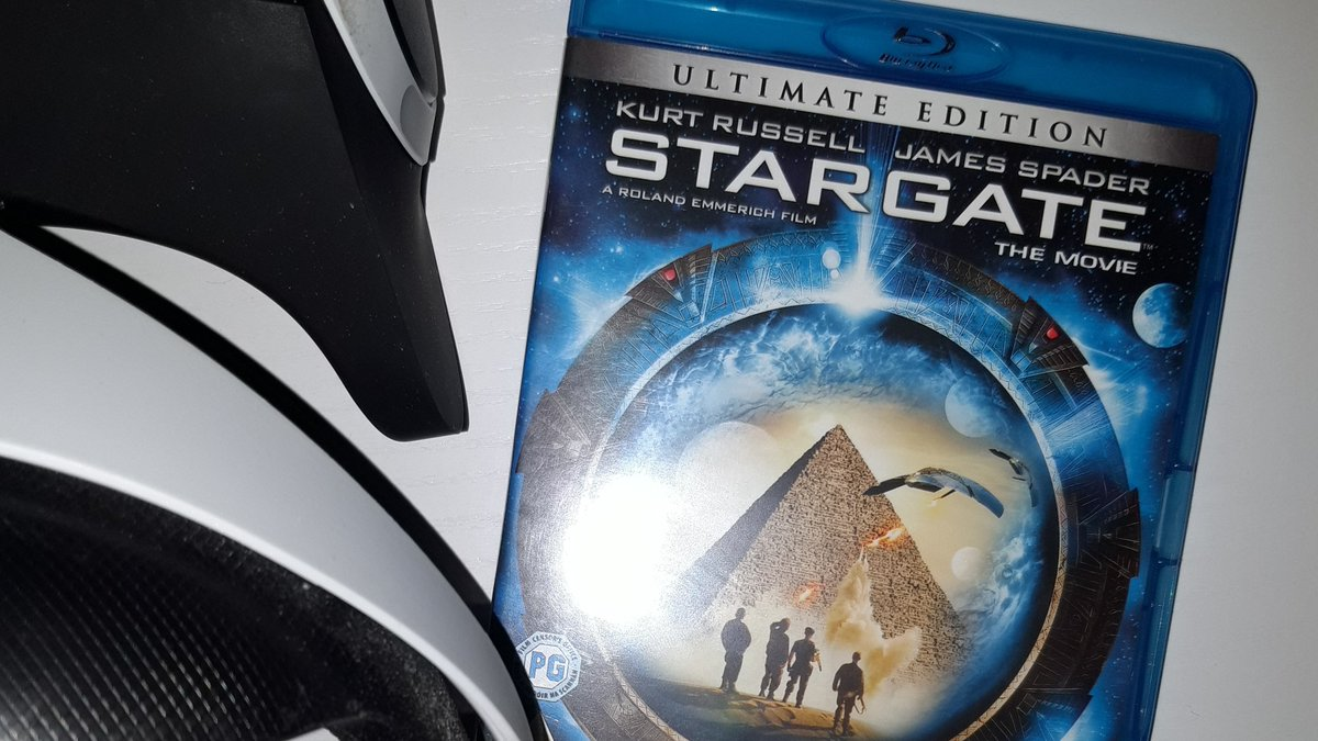 Next up for Review is #Stargate (Not 3D) on the #PlaystationVR. I was lucky enough to see this at the pictures and really enjoyed it. Emmerich knows how to make the most of a big screen, so lets see how well his grand visuals convert to the #PSVR, I'm optimistic. Review incoming.