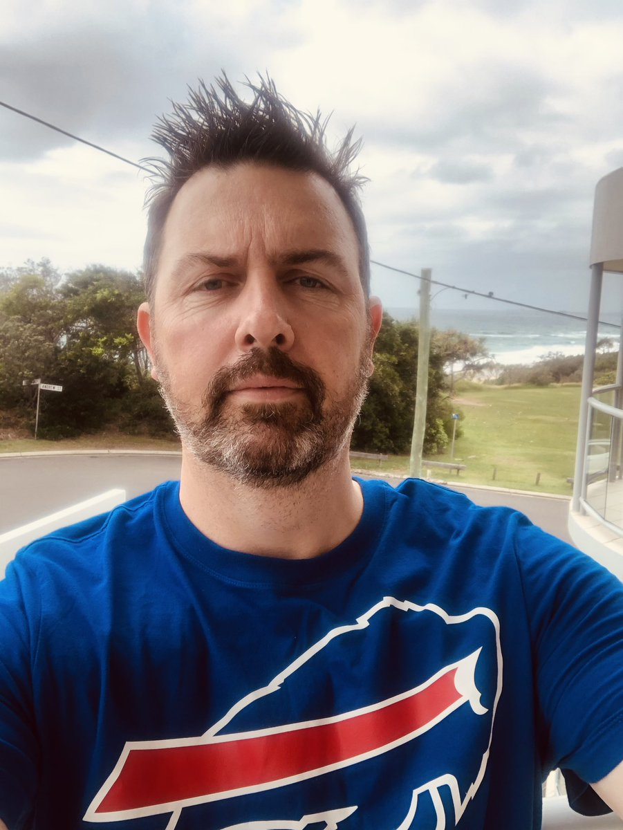 Up on the Sunny Coast on holiday 🏖☀️ but it's Game Day and my mighty Bills are playing a Divisional Playoff today & I'm ditching the family for 3 hours to watch it at the closest Sports Bar here🍻 !!! 😆👍  ❤️🤍💙 Circle the Wagons! Let's Go Bills! #BillsMafia @BillsandBeers