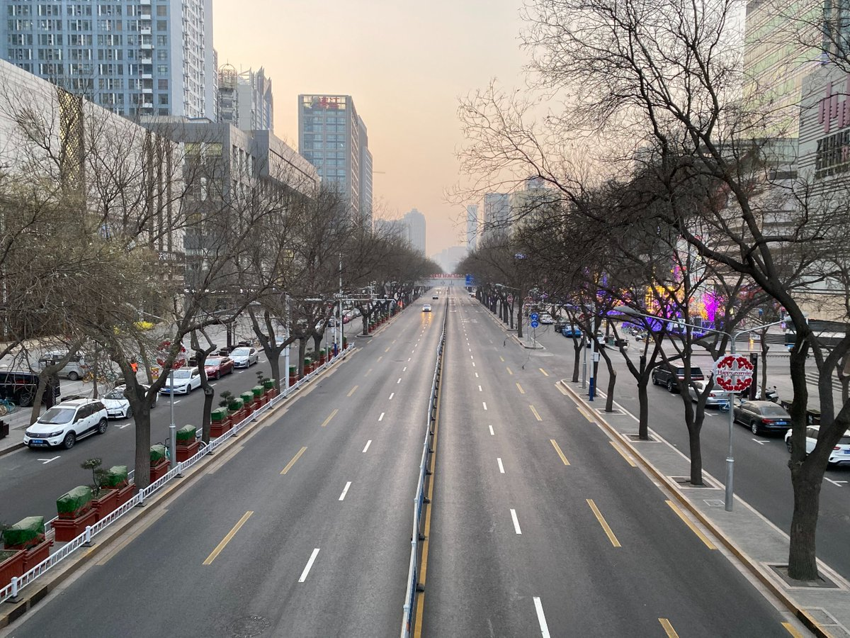 Went for a nostalgic stroll around Shijiazhuang, my hometown and also a city of 10 million population on lockdown.