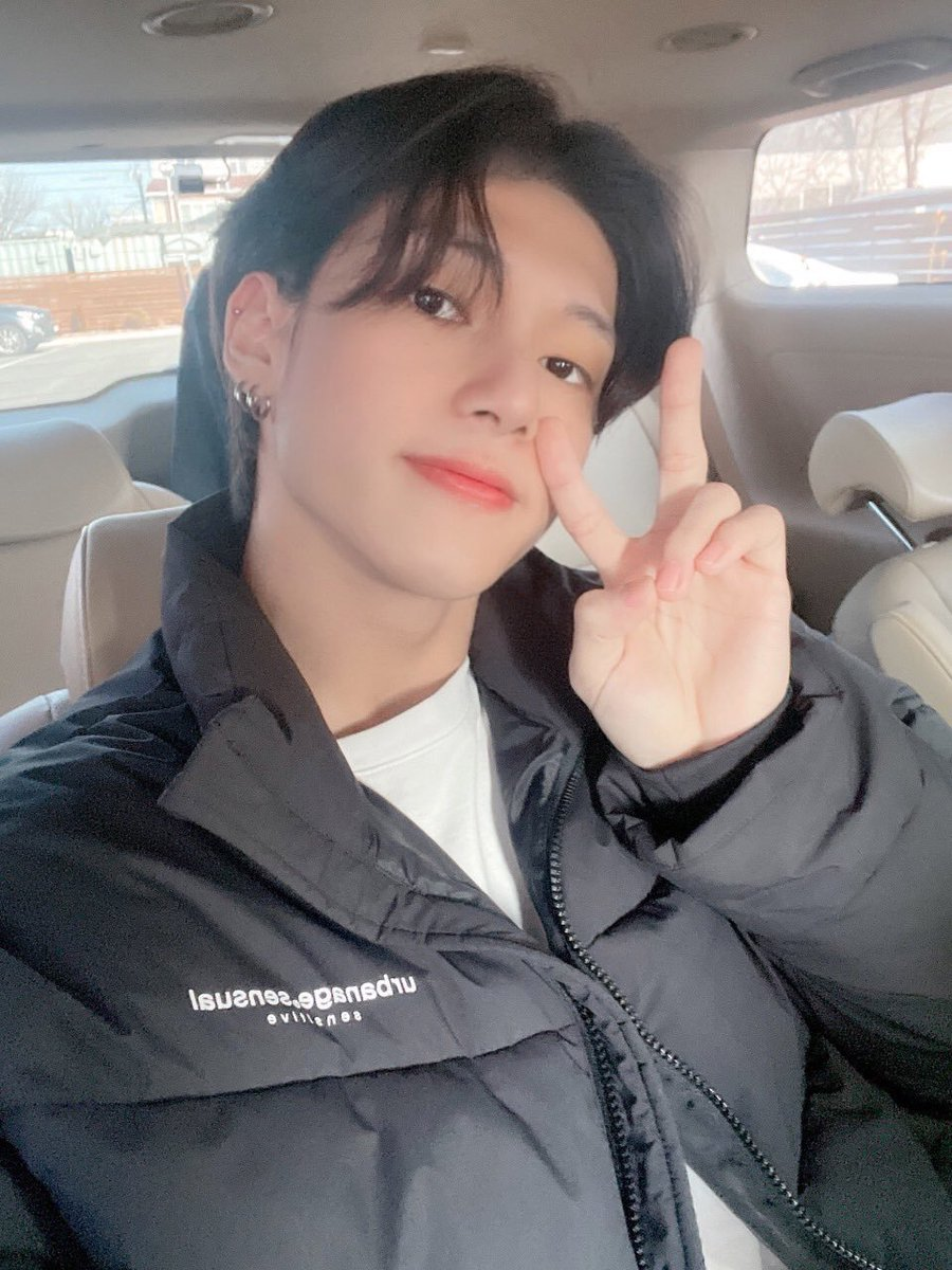 Wooyoung's official posts on 2021 (Selcas, videos, etc); a thread   #ATEEZ #에이티즈 #WOOYOUNG #JungWooyoung #우영 #정우영 @ATEEZofficial