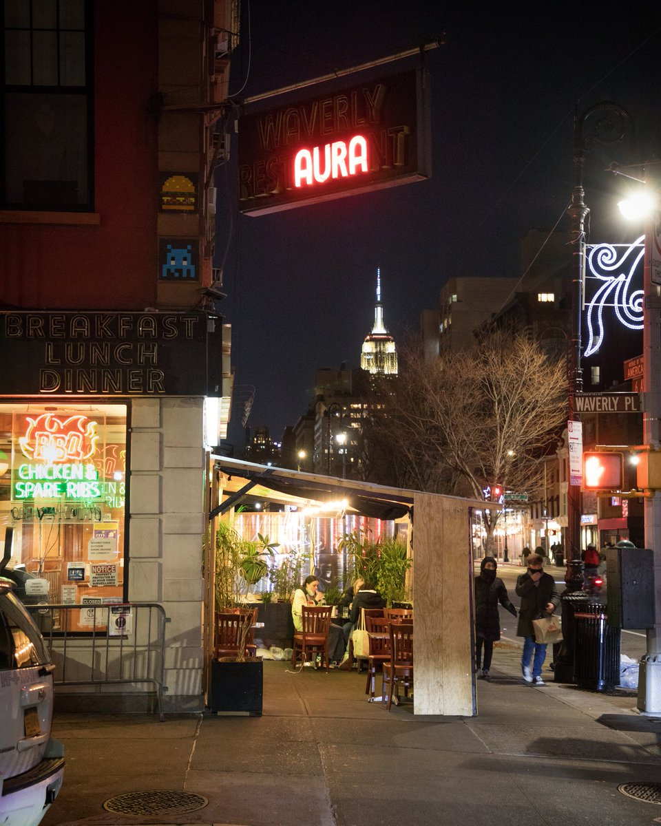 The West Village's Waverly Diner on 6th Ave #NYC