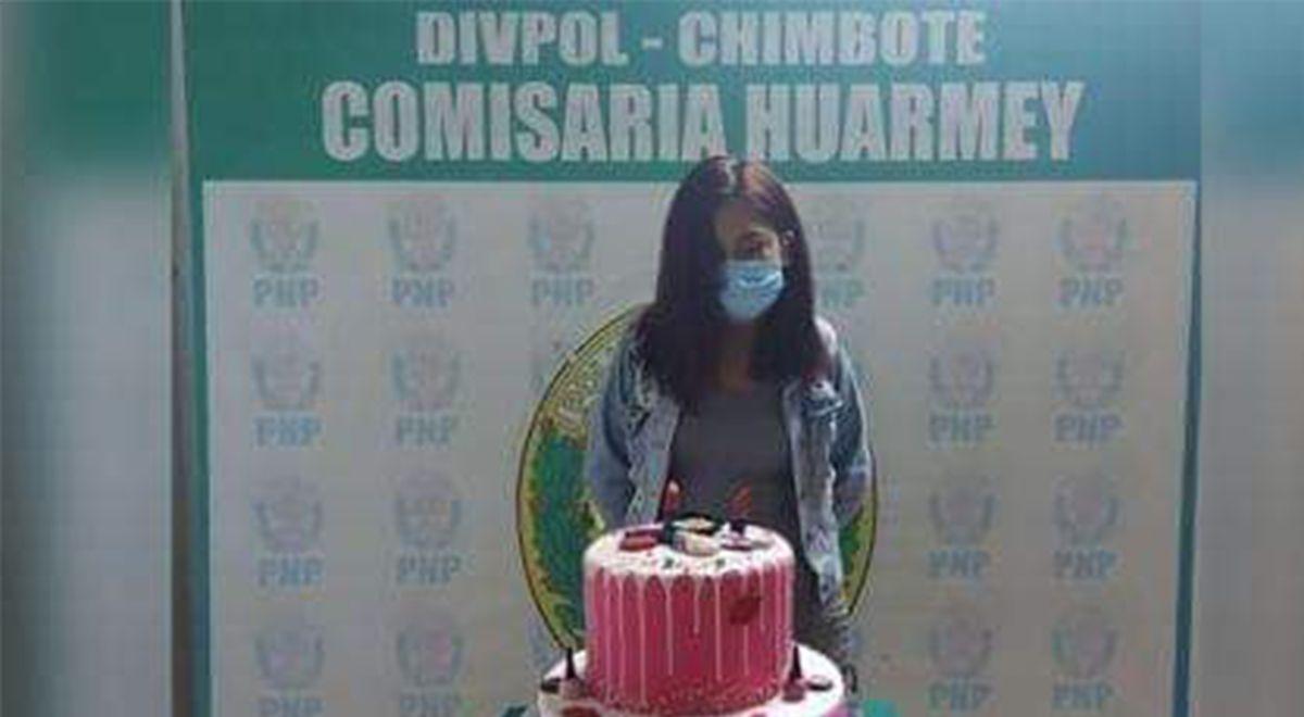 Defensoría del Pueblo exige investigar a la PNP por difundir foto de cumpleañera con su torta ►https://t.co/KW06IgtnSq https://t.co/k5HElbluE4