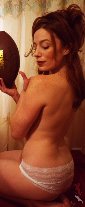 Its another #NFLplayoff weekend, but you should try the game I play with balls. It's a lot more pleasurable