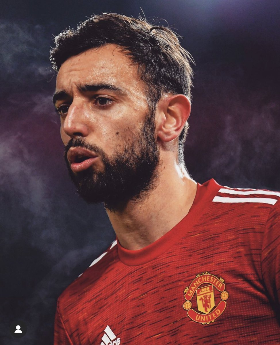 "Bruno Fernandes: ""I like criticism, It motivates me.""  You know, some people surround themselves with 'yes men', but that's not me. I want people like my friends on the playgrounds who aren't afraid to point the finger at me and tell me where I'm going wrong."" #ManUtd #MUFC"