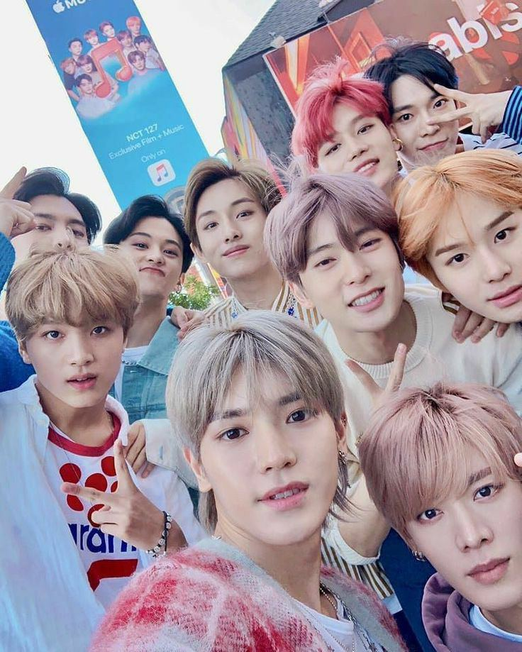 I'm voting for NCT 127 for FAVORITE SOCIAL ARTIST at the #AMAs  #NCT127  #NCTsmtwon_127
