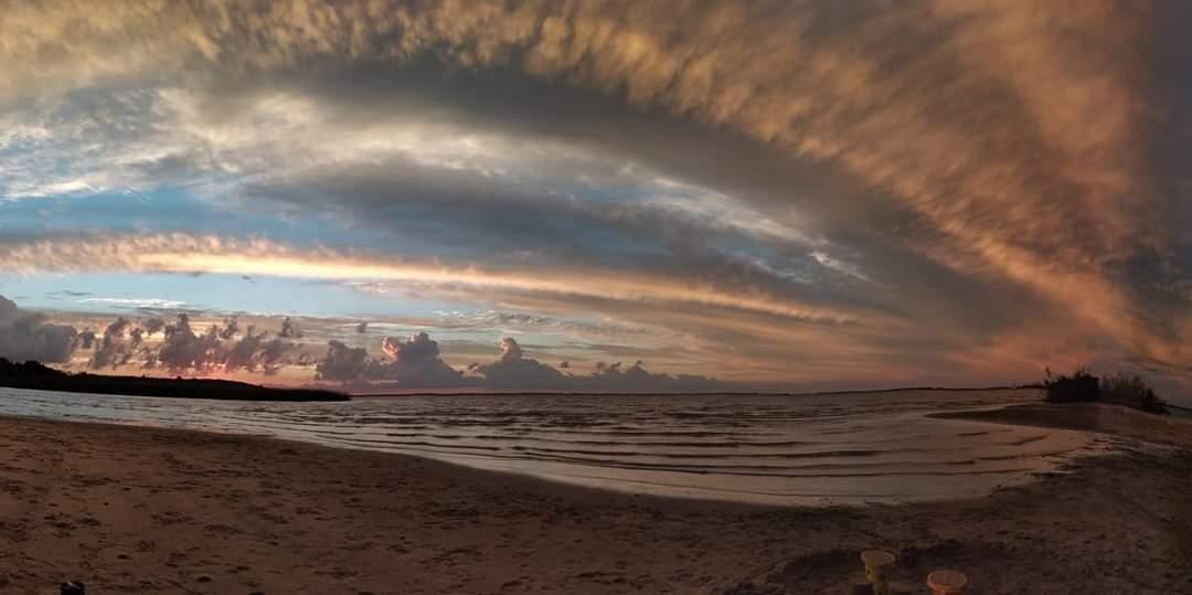 Atardecer en Fray Bentos, Rio Negro, #Uruguay Foto 📷Liliana Ferreta