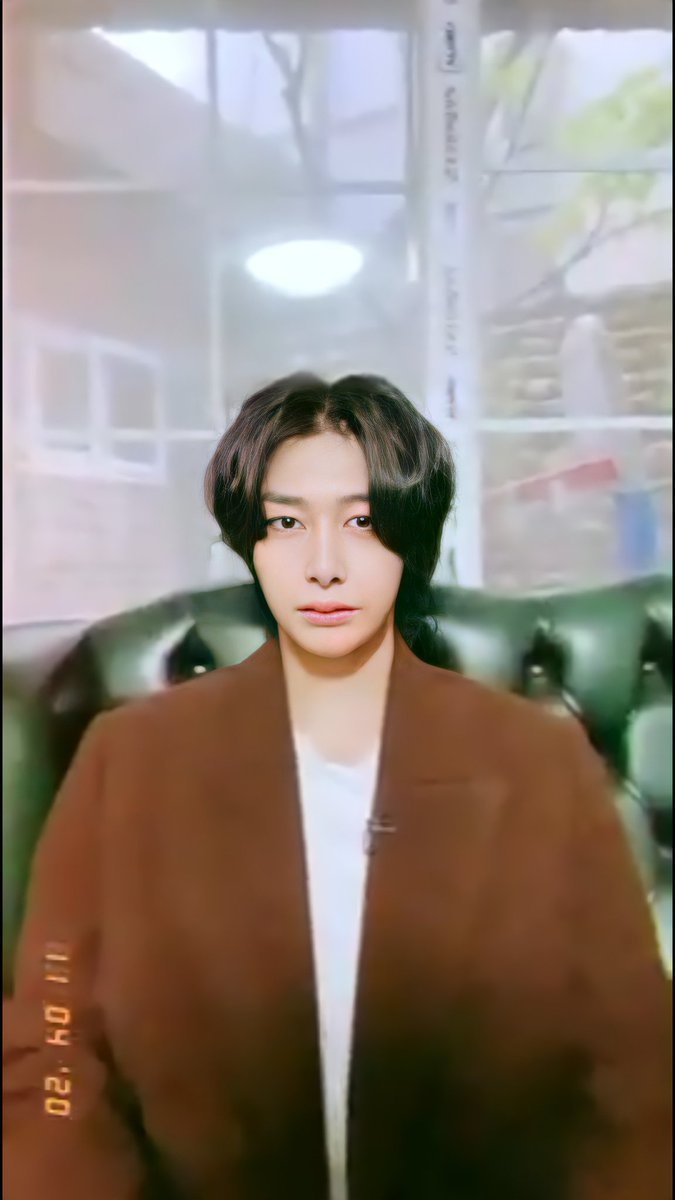 Screenshots of the birthday video that Joohoney shared with us 💜  #HBDtoHYUNGWON #형원이란_다정함이_내린_날    #형원 #HYUNGWON @OfficialMonstaX