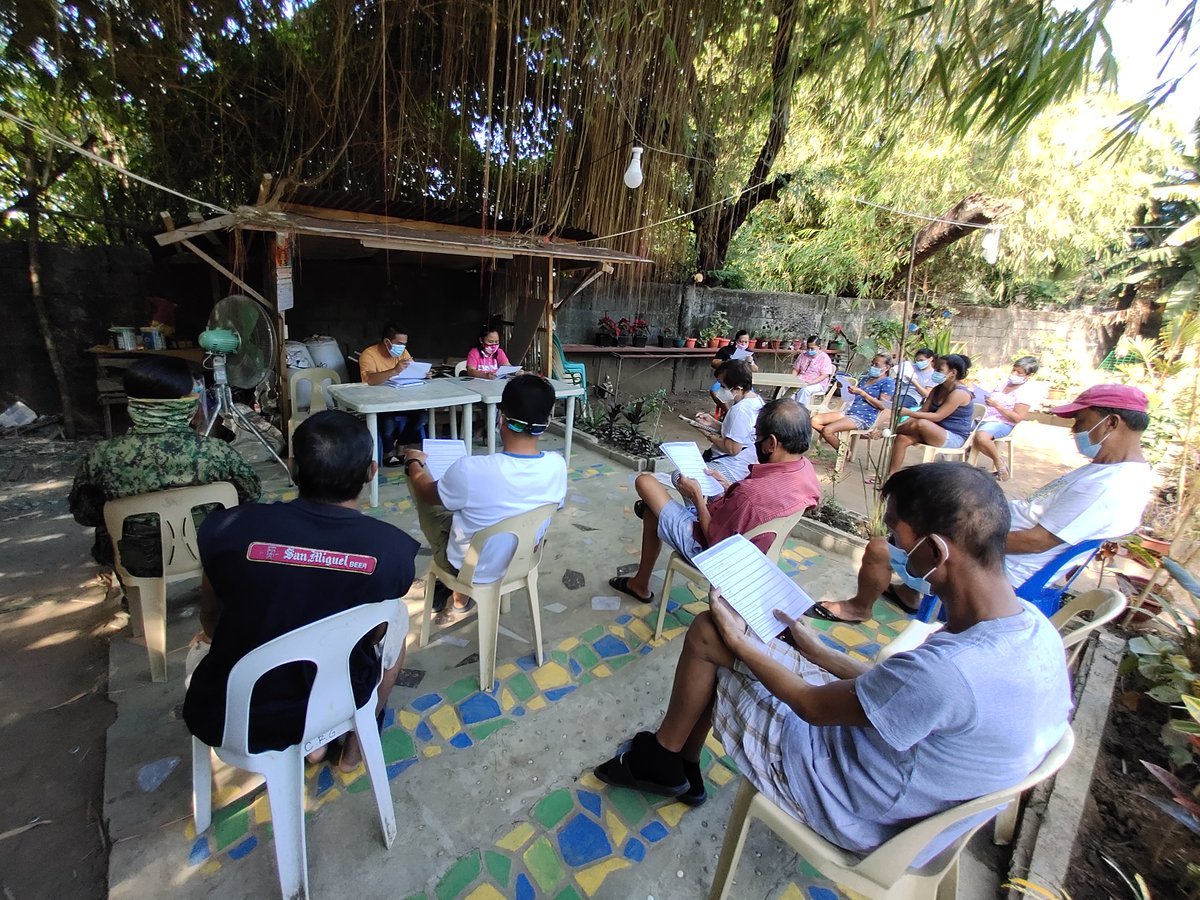 Personnel of Bangued MPS led by PCpl Arlene Ramirez joined the meeting together with the barangay official, BPATs, BHW and senior citizen at Zone 6, Bangued Abra presided by Barangay Chairman Rhoel Valeros regarding COVID-19 vaccines.  #TeamPNP #PNPKakampiMo #ToServeandProtect