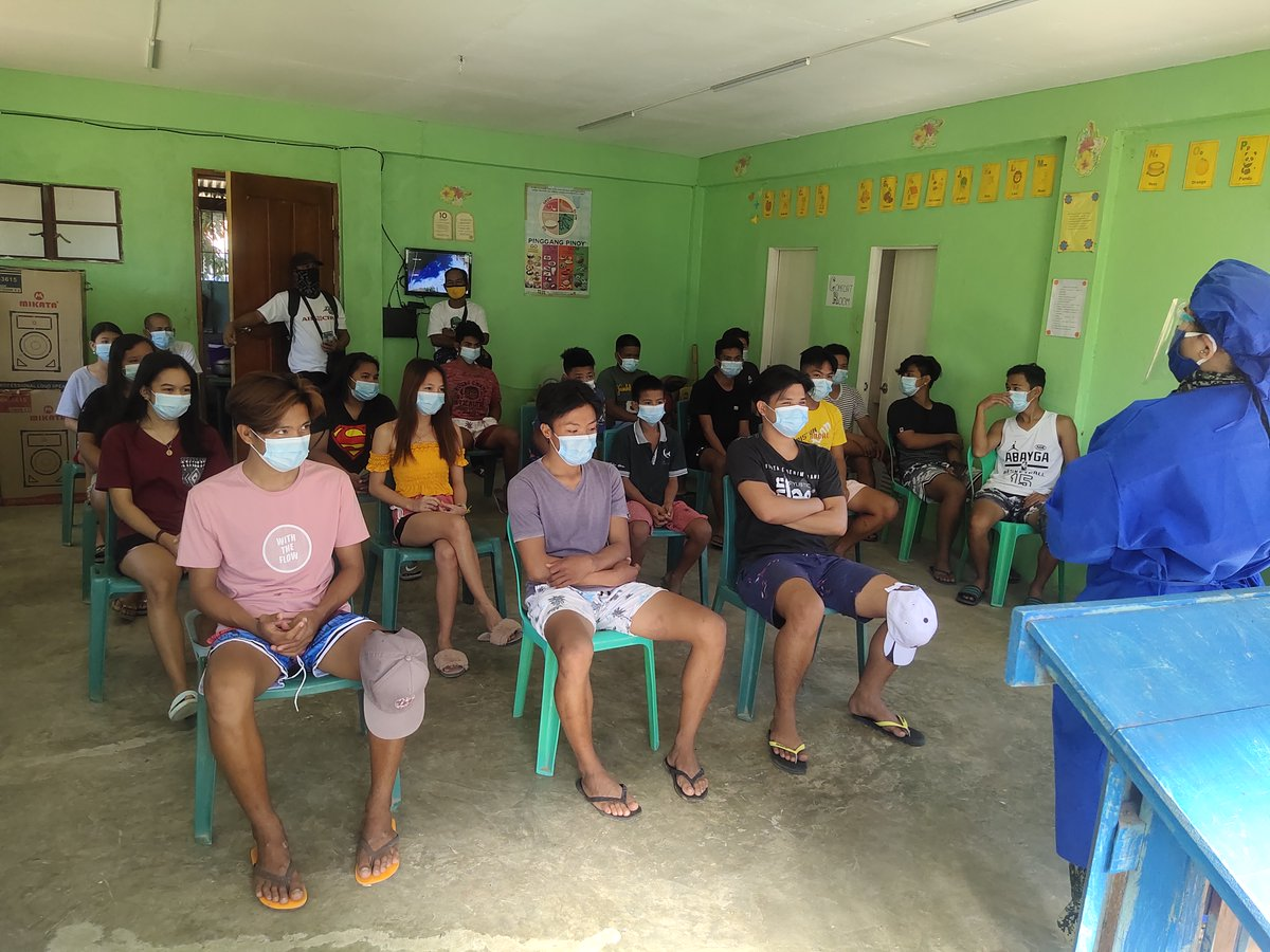 """Conduct of infodemic drive on """"Coronavirus Awareness Response Empowerment (C.A.R.E.)"""" to the youth of Lubong, Bangued, Abra. . #TeamPNP #PNPKakampiMo #ToServeandProtect"""
