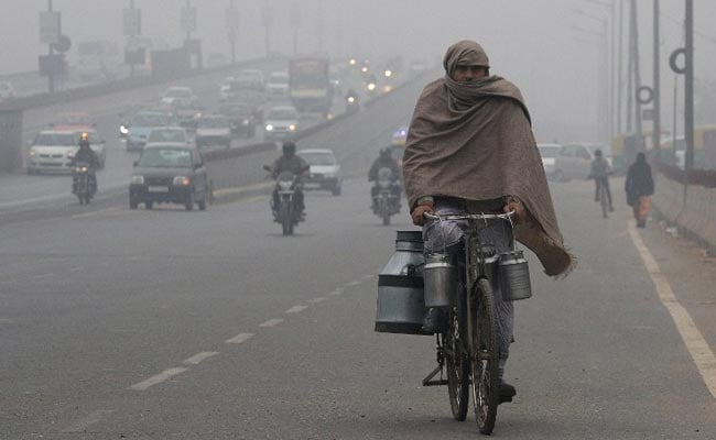 Replying to @ndtvfeed: Delhi Records Minimum Temperature Of 5.7 Degrees Celsius