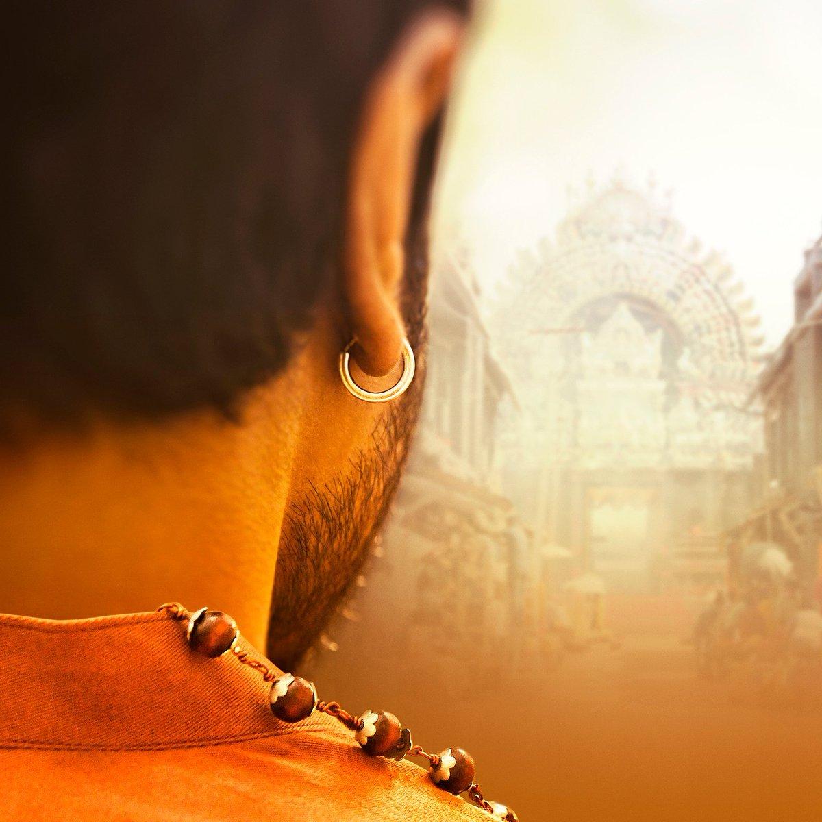 Replying to @RamCharanUni: SIDDHA :- ఆచార్య కోసం  సిద్ధాంతలను పక్కన పెట్టి మరి కొడతా  😎🤙 #MANOFMASSESJoinsTheBOSS #RamCharan