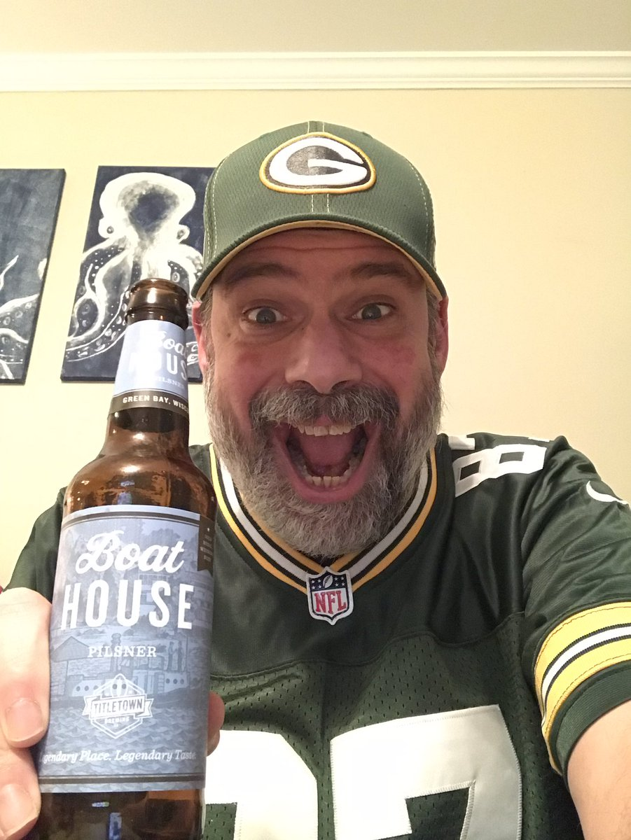 Congratulations to the Green Bay @packers for your 32-18 win over the Rams today! Enjoyed @titletownbeer Boat House Pilsner & @StillmankBeer Guava Juiced IPA! Good luck next week! 🧀 #gopackgo #greenbay #packers #nfl #nflplayoffs #wisconsincraftbeer #craft #podcast #thelagerroom