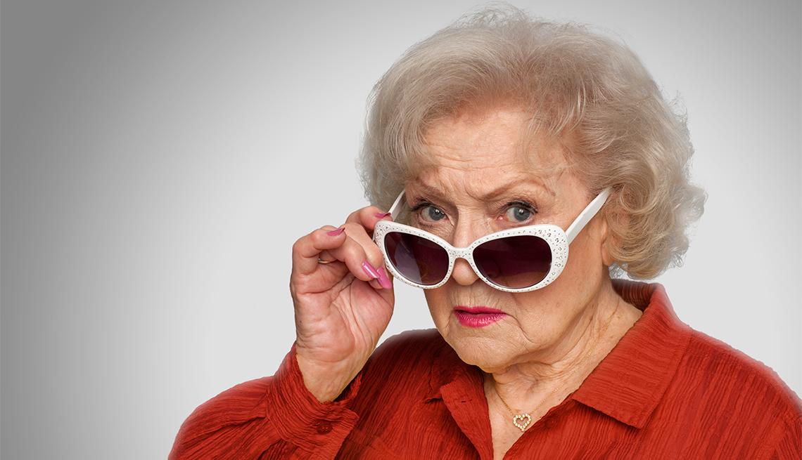 Felices 99 a la maravillosa e infinitamente divertida Betty White #HappyBirthdayBettyWhite