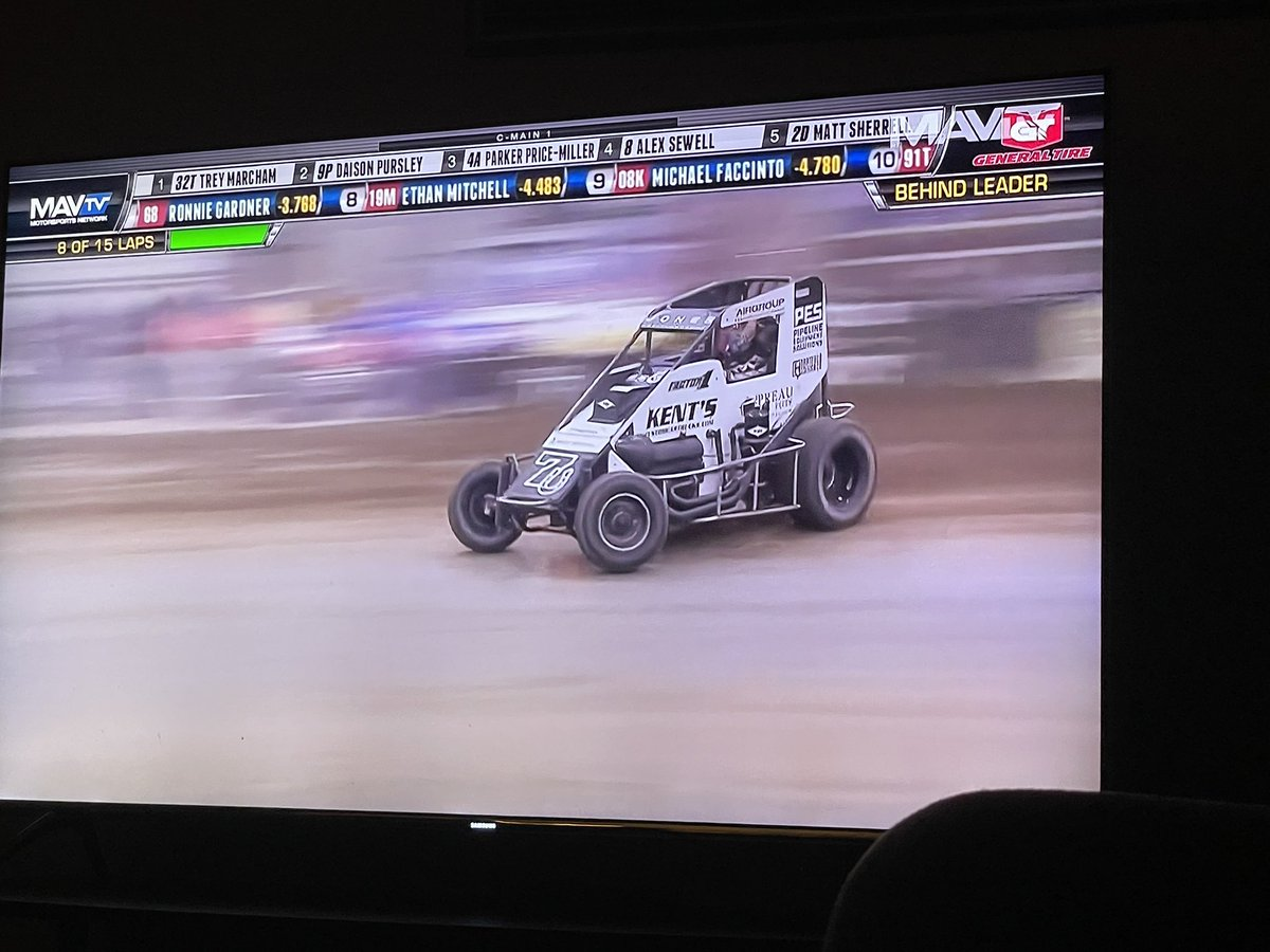 Always fun watching your boys race @cbnationals good run boys. @7uRacing @Kyle_Jones04 @Staton_Flurry wish it would have finished differently but was a good run. #ChiliBowl2021 #ChiliBowlNationals