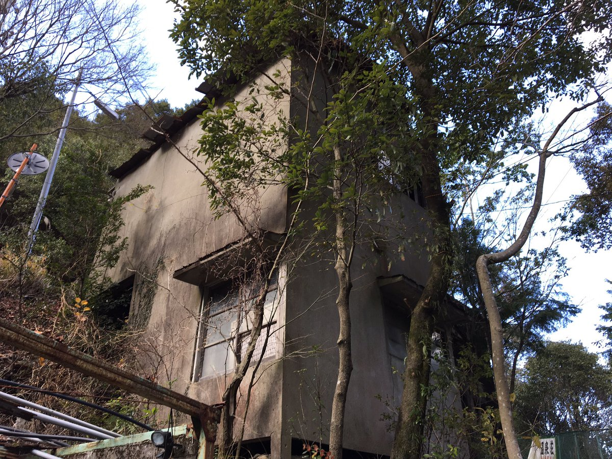 の 廃墟 近く 中国にディズニーランド似の廃墟 朽ちゆく夢の世界
