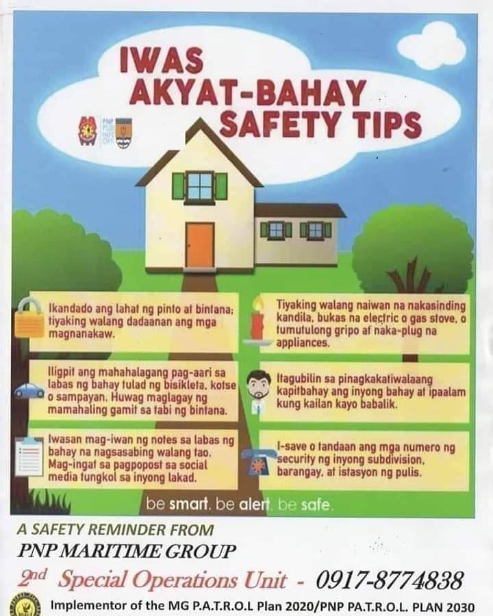 """Iwas Akyat Bahay"""" safety tips to the residents of Brgy 4 Poblacion, Balabac, Palawan.  #ToServeandProtect #PulisUmaaksyonMabilis #PulisPangkalikasan #SupportPNPPATROLPLAN2030 #SupportPNPMGPATROLPLAN2020"""