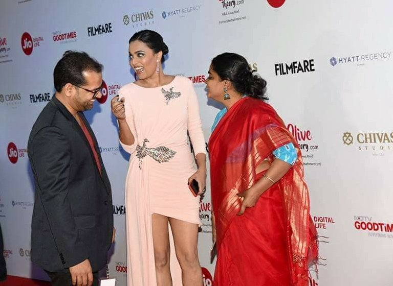 Flashback 2017: with @ReallySwara and Ashwiny Iyer Tiwari at the Filmfare pre awards ❤