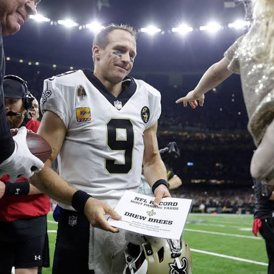 """'My question with Saints QB Drew Brees is whether he is 100% with the rib injuries he has had' @dickfain told @Jaimee_Rogers and @richieplz Tampa Bay v Saints tomorrow in the #NFLPlayoffs 'will go down the the wire."""""""