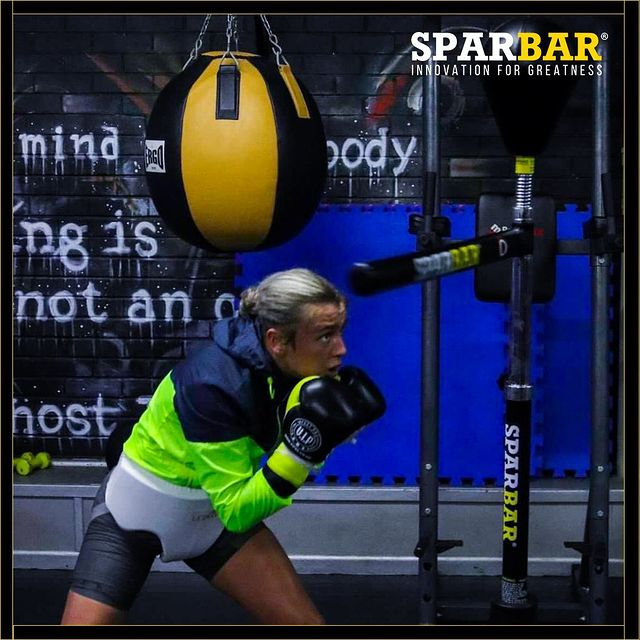 What's your favourite style of defence? 👇🥊 @charlpowell_  #boxingtraining #boxing #sparring #sparringpartner #boxingdefence #sparbar #sparbaruk #fightteam #fighter #fighting #mma #fitness #homeworkout #gym #workoutathome #fitnessmotivation #fitnessgoals
