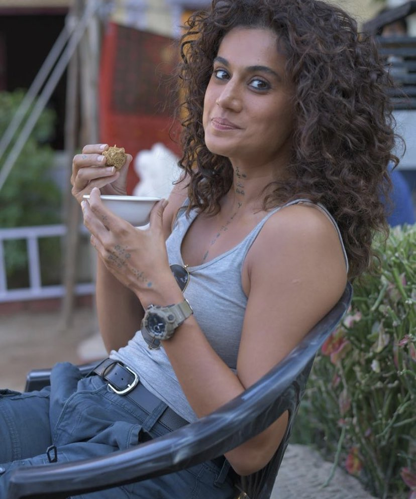 #TaapseePannu relishes some healthy laddoos on the sets of #RashmiRocket.