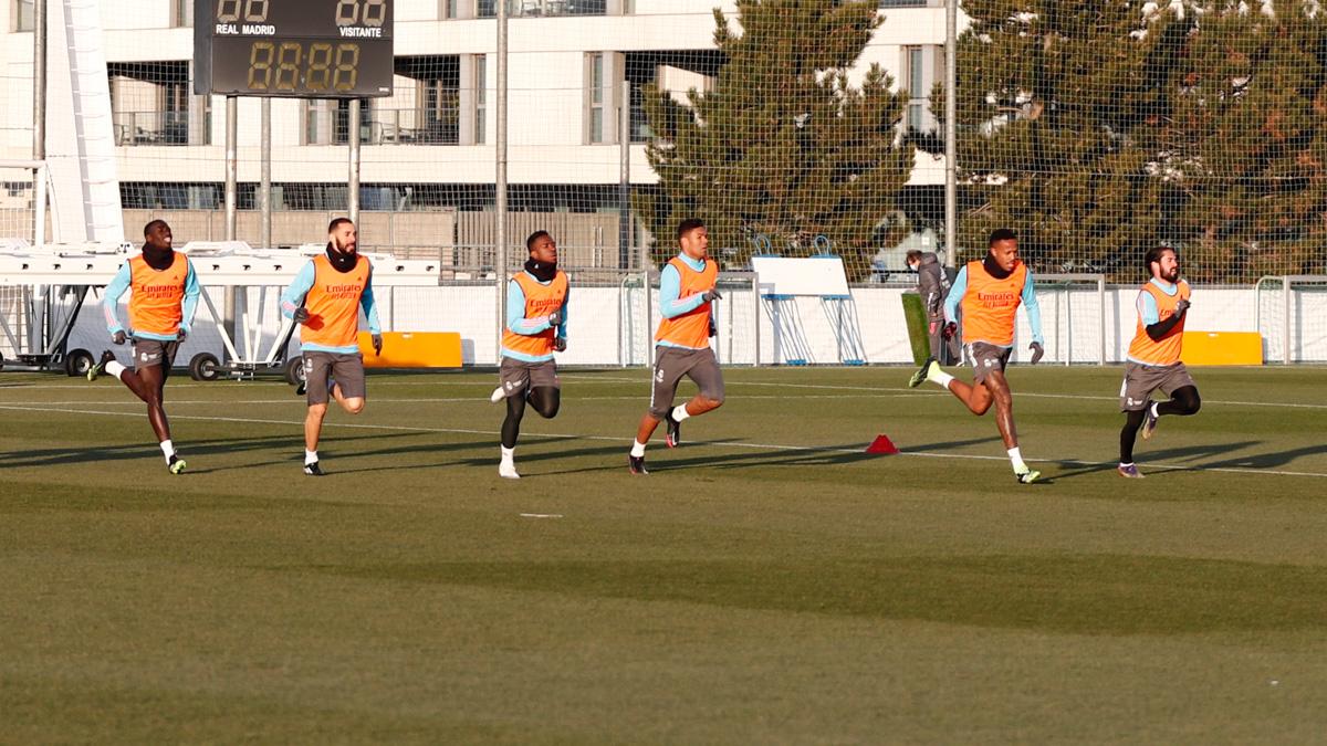 💪⚽ ¡Hoy a partir de las 16:00 CET volvemos al entrenamiento para preparar nuestro debut en la Copa del Rey 2020/21! 🆚 @CD_Alcoyano  #RMCity | #HalaMadrid