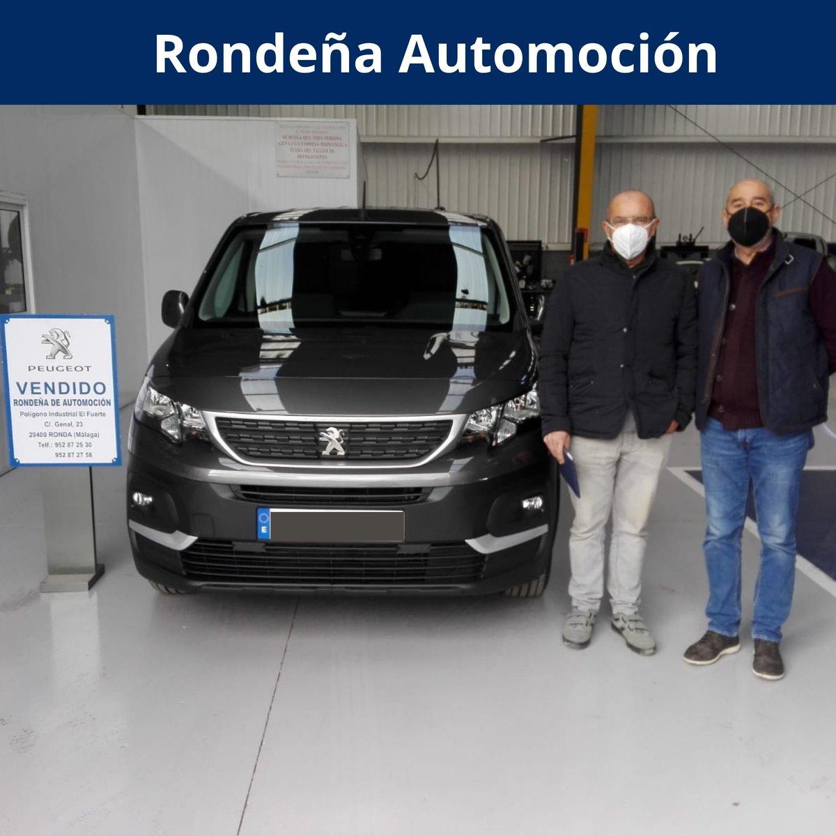 👉 Curro Sanchez haciendo entrega de la #PeugeotRifter BHDI 100CV Version Long !! Muchas gracias por la confianza depositada por Antonio Pérez, esperamos la disfrute mucho 😊  ☎️ Mas información: 952 87 25 30 o 952 87 27 58  .  #coche #peugeot #car #kia #segundamano #SEMINUEVO
