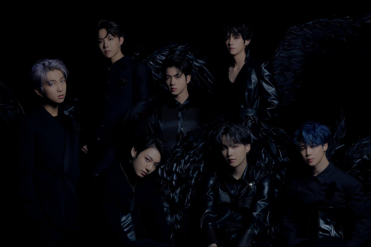 1 year with black swan💜 You're my everything💜 Love you💜 #1YearWithBlackSwan #1YearOfBlackSwan #방탄소년단 @BTS_twt @BTS_jp_official @bts_bighit