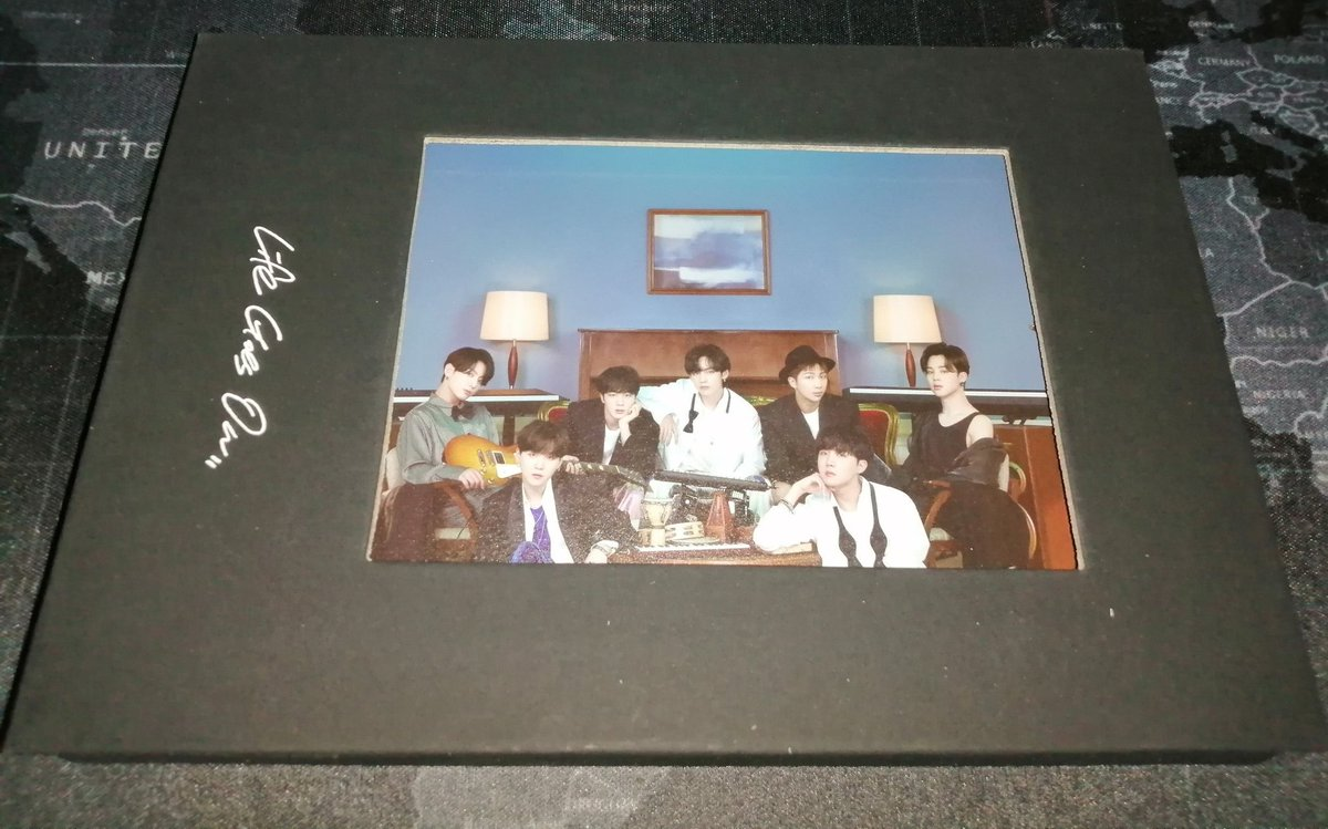 บั้มบี#BTS_BE  💜 CD 💜 Photo frame 💜 โปสการ์ดภาพรวมบังทัน        (ของแถมวีเวิส) 💜 แถมฟตก.ภาพรวม+โปสการ์ด1  👉 450 บาท รวมส่งลทบ  💜💜   สนใจเมนชั่น/เดม  #ตลาดนัดรถไฟบังทัน #ตลาดนัดบังทัน #หารของบังทัน