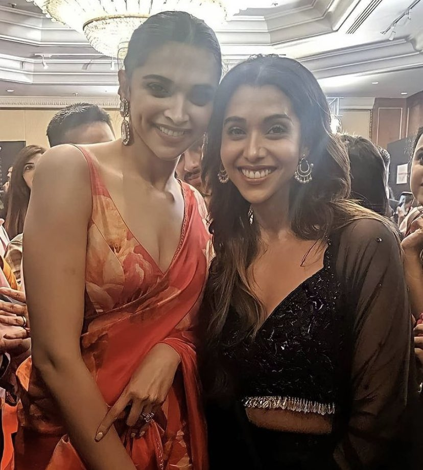 #DeepikaPadukone with #AnupriyaGoenka who played Nagmati in #Padmaavat.