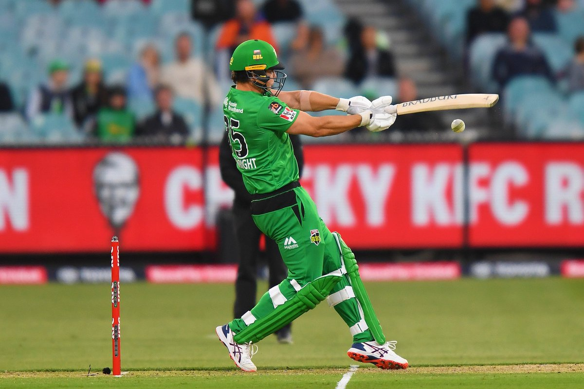 2⃣5⃣ runs 1⃣8⃣ balls 6⃣ wickets  It's all on the line in the Derby! 💚  #TeamGreen #BBL10 https://t.co/AqILauGERx