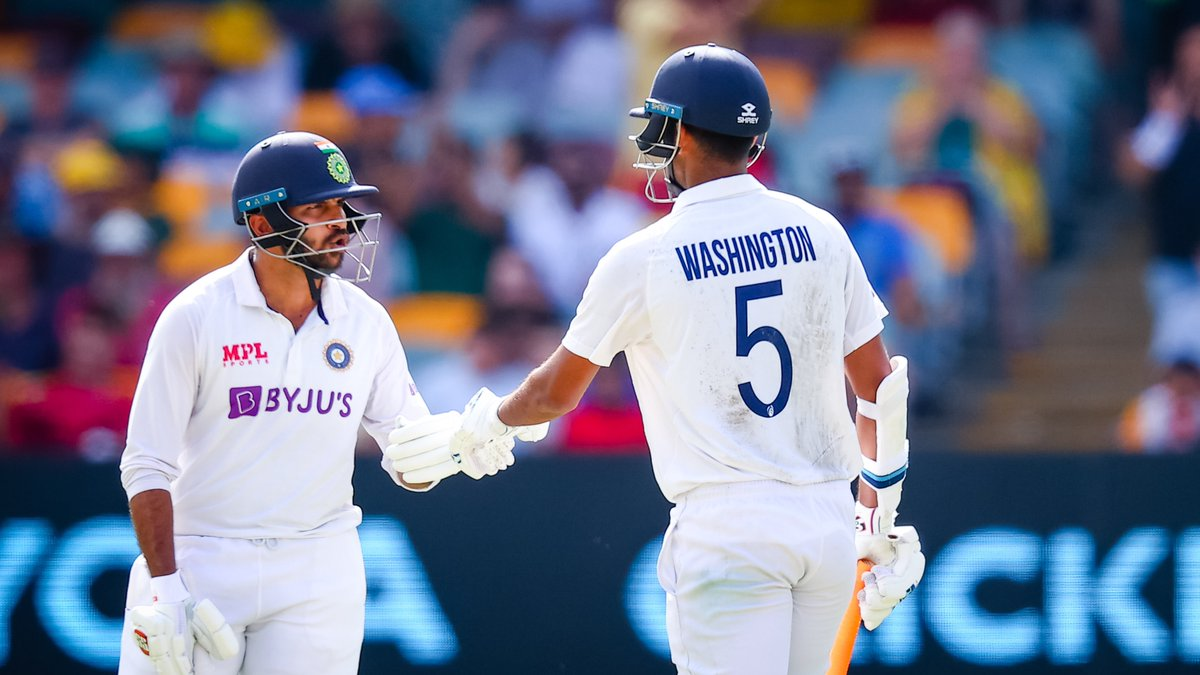 """""""Washington-Shardul's partnership shows the depth of Indian cricket""""  On #CricbuzzChatter, @bhogleharsha feels the batting efforts of #WashingtonSundar & #ShardulThakur is another example of how the reserve stocks in Indian cricket has never been better  #AUSvIND #TeamIndia"""