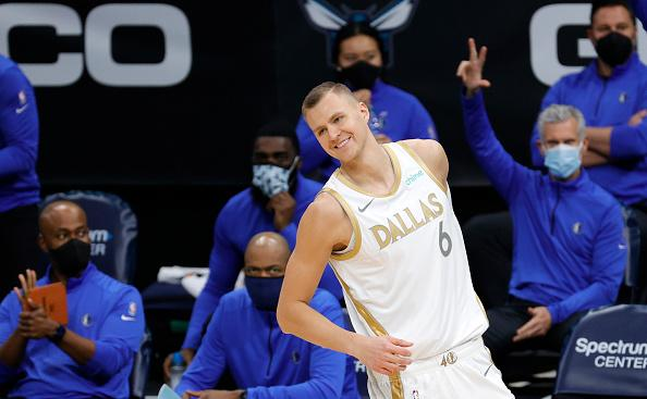 The #NBA #DFS #Playbook for the early two-game slate is live! @jimpemba777 breaks down both games and brings you his top plays to consider! #FANation   Read here: