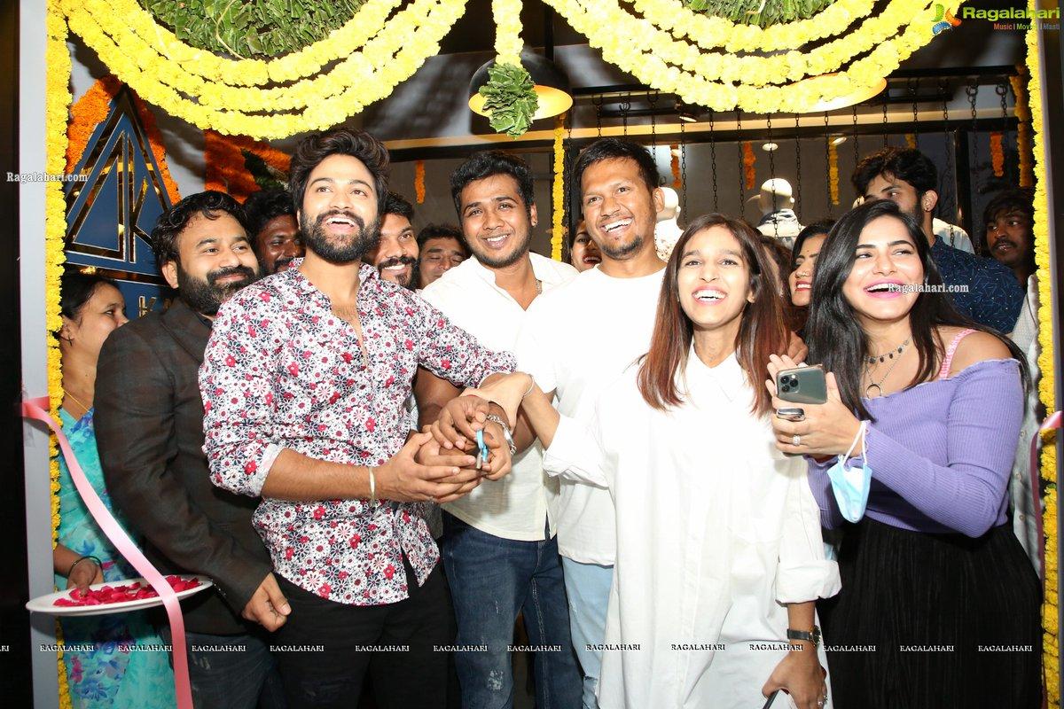 OOKO KAKA Clothing Brand Launch at Filmnagar  Chief Guests: @Rahulsipligunj @RyanSohel #AliReza #Himaja #ShivaJyothi @mrnoelsean #AshuReddy #Mehboob and many more...  Check it out!