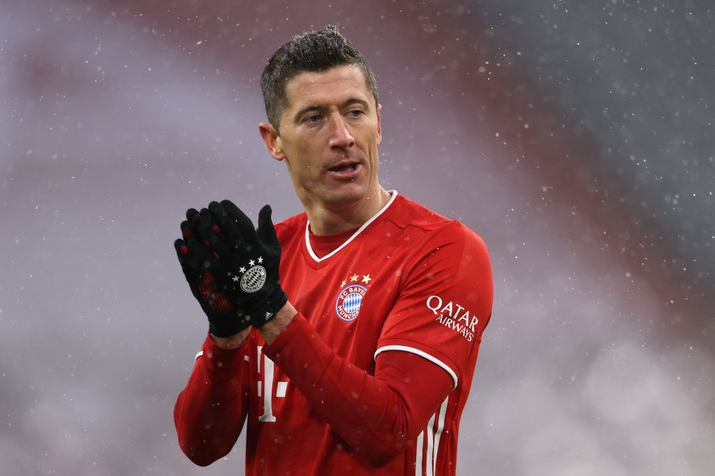 Drop a 👏 for the best in the world.   @lewy_official https://t.co/SPhpgBf8os