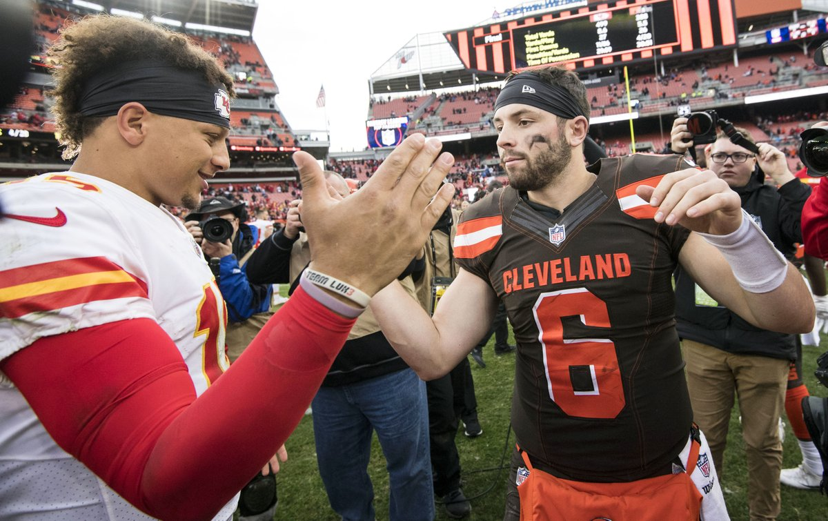 The other shoe drops today in the @NFL. 🏈   Preview today's action here: https://t.co/sr8YlMSju1  Who are you picking to move on? Back them on #Proline: https://t.co/95Ii0O4VPs  📸: USA TODAY Sports  #NFL @StadeProligne https://t.co/k2wdAHXPqg