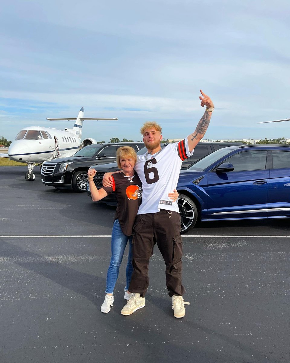Exactly 24 years ago she birthed me and today I surprised her w a jet to the Browns playoff game. Growing up in Cleveland the Browns never made the playoffs so this is a huge day for us and every Browns fan. More life. More blessings. More knockouts. 2021 you're mine.