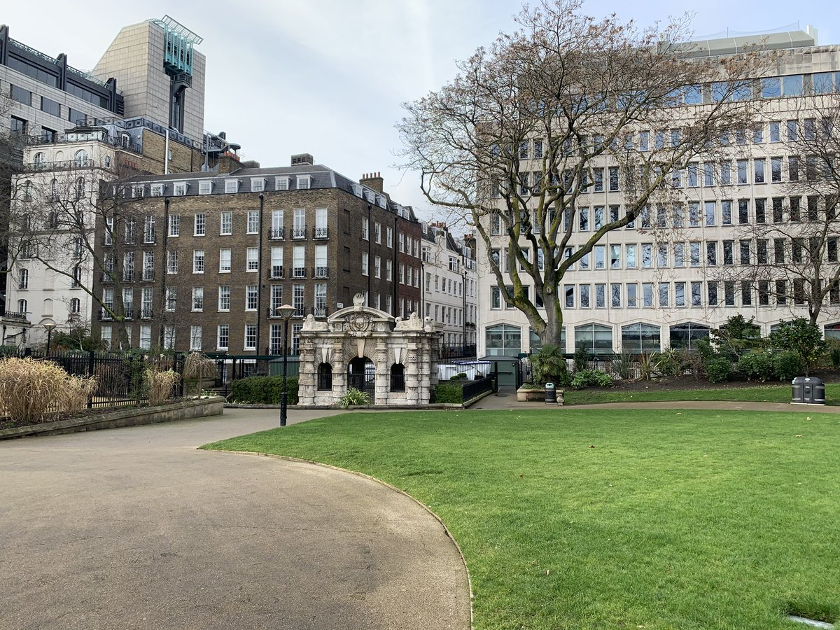 The York Watergate was left marooned inland by the development of the Victoria Embankment, which covers the huge sewer running parallel to the Thames into which the #CockAndPye Ditch now flows...