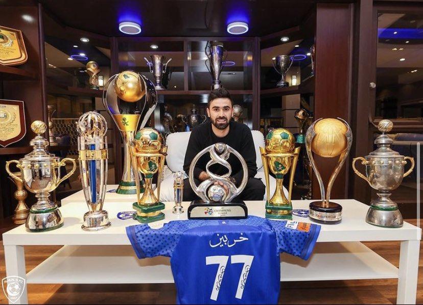 اللاعب فاز مع #الهلال بلقب الدوري السعودي ثلاث مرات مواسم 2016-2017 و2017-2018 و2019-2020 ومسابقة الكأس مرة واحدة 2017  و #دوري_أبطال_آسيا عام 2019 والكأس السوبر السعودية 2018
