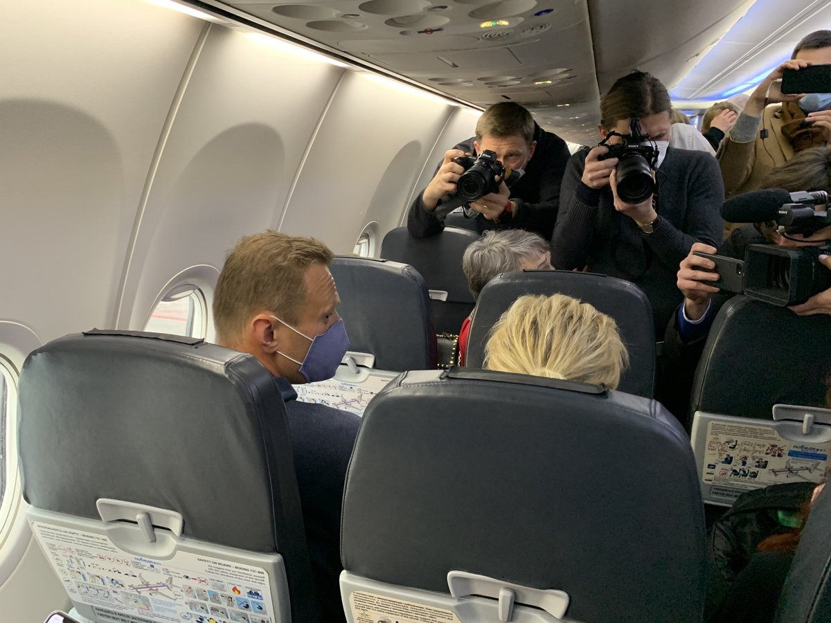 Replying to @ArkadyOstrovsky: Alexei Navalny is on board flight 936 from Berlin to Moscow. Returning home
