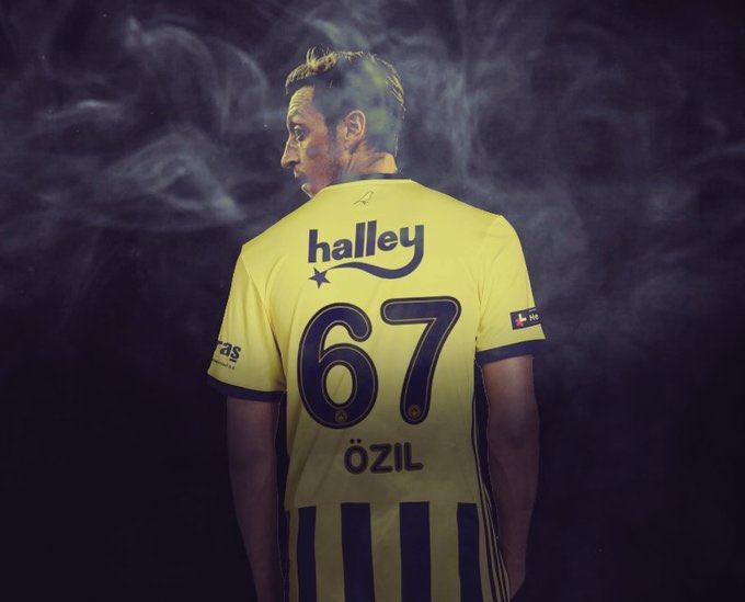 Jste heureux de te revoir jouer #legend ❤️ @MesutOzil1088