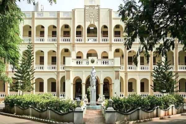 Chennai Loyola collage lease period ends on 2021 year end. More than Rs 1000 crore value property belongs to Shri Kabaleeswarar temple, Mylapore, Chennai. HR&CE send legal notice to vacate Xtian collage build in Hindu temple lands. Courtesy : @YeskayOfficial