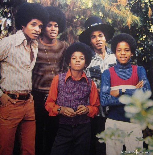 """""""He's only 4 feet tall, and you're looking at a small person who can do anything he wanted to do onstage -- with his feet or his voice"""" - Don Cornelius, Founder of Soul Train #MichaelJackson #MJFam #JacksonLegacy https://t.co/SDTfrB098c"""