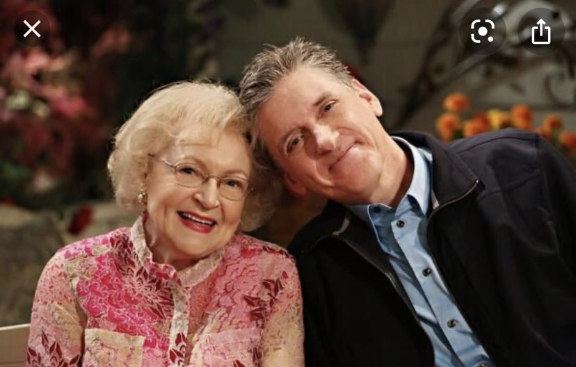 Happy birthday to my pal @BettyMWhite  The sweetest, dearest kindest and funniest person I've ever had the good fortune to work with. #HappyBirthdayBettyWhite